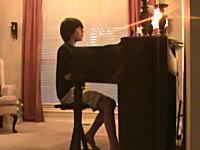 これが才能か。やたらガガな12歳の美少年が作詞作曲した曲「Broken Hearts」
