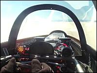 最高速チャレンジ。743km/hで走る車の車窓から。ボンネビル・ソルトフラッツ