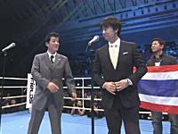 橋下徹新市長と松井一郎大阪府知事による「君が代」が話題に。国歌斉唱。