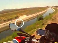 GJ動画。これはなかなか出来るもんじゃない。素晴らしい行いをしたライダー