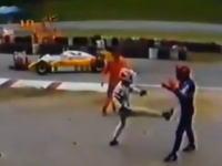 ピケSr.F1のコース上でパンチ・パンキ・キックのコンビネーション