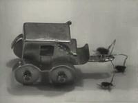 1949年にパリで実際に行われていたノミのサーカスの貴重な映像。かゆい