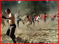 なにこれこわい(@_@;)先頭のヤツ凄い。ウクライナの大決闘がヤバすぎた