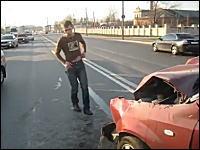事故ったドライバーはヤク中だった。正面衝突を起こした運転手がフラフラ
