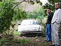 外人「日本の車タフすぎワロタw」16年間放置されて朽ちかけた車を動かしてみた