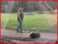 PETAさんブチギレの予感。ワンコを虐待する男性の映像がアップされる。