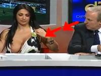 女性出演者のはみ乳が気になって司会者もカメラマンも大注目 もちろん僕も!