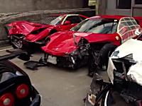 中国道で事故を起こしたフェラーリたちのその後の映像があった・・・。4台分