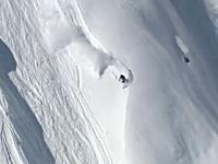 絶壁スキーヤー雪崩に追われても余裕のバックフリップを決める。SSC2013