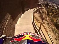 なんつーコースを走るんだ・・・。Red Bullエクストリームダウンヒル・ボリビア