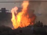 戦車の断末魔。IED攻撃を受けた戦車が激しく炎を噴き出しながら破壊される