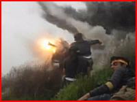 戦車の砲撃を生身の人間が食らうとこうなってしまう・・・。人間が木っ端微塵に。
