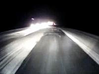雪道でスリップしたセダンにモロに追突。2名が死亡したロシアのドラレコ動画