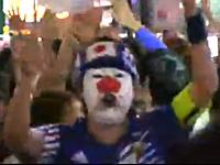 サッカー日本代表戦で渋谷がやっぱりカオスな事になっていた動画。お祭り騒ぎ