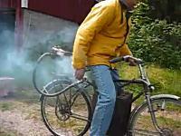 音がシブイw蒸気の力で動く機関を自転車に搭載してみたよーという動画w