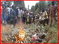 21世紀になってもまだ行われている魔女狩り。生きたまま焼かれる人たち。
