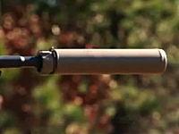 静かに敵を撃つ。サイレンサー(サプレッサー)付きの銃ってカッコイイよね。