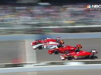 インディアナポリスのインディ・ライツで劇的な4ワイドチェッカー。0.0026秒差