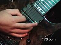 世界記録のギター速弾き「1秒に21音(320BPM)」右手どうなってんの?w