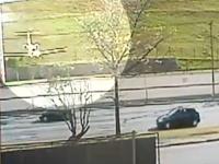 CCTVが撮影した航空機事故の瞬間。滑走路からダイブするビジネスジェット
