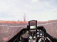 ラジコン飛行機のコクピットに小型カメラをセットしてテレレテッテー(例の曲)
