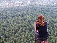 ロシアは少女もおそロシア動画。高所恐怖症な人は見るだけでアウト(@_@;)