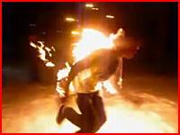 あっぶねえ!上着に火を付けて火だるまになる遊びで大ピンチに(@_@;)