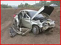 3名の方が亡くなった壮絶な事故現場の映像。泣き崩れる家族たち・・・。露国