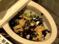 ネット炎上。車椅子用トイレでお味噌汁を作り逃亡した高校生、2chでは特定中