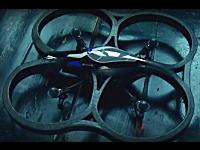 自動飛行安定機能で簡単操作!iPhoneで操縦するラジコンヘリコプターの登場!?