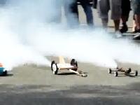 走るか爆発するかは点火してからのお楽しみ!ロケットカーレースがカオスでワロス