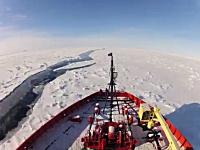 南極海を旅する砕氷船ナサニエルB.パーマーの2か月間を5分間に短縮動画