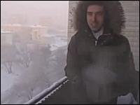 マンションの窓を開けたら-41度の世界でベランダからお湯バーンすると!