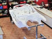 お値段3500万円。BMW Z4 GT3が完全手作業で組み立てられる早送り映像
