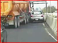 車載が生い。どれもこれも恐ろしい交通事故の映像集。既出もあるよPart.3
