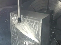 CNC工作機械がクラッシュしてしまう映像集。シュールで地味だけど面白い。