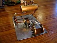 ガスバーナーはあかんやろwww卓上蒸気エンジンが爆発してビックリ動画。