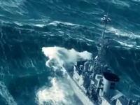 海恐ろしすぎワロタwww大波の壁に立ち向かう船乗りたち凄すぎ驚いたwww