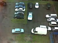 駐車場でありえない場所に車を停めるヤツがいて大変な事にwww酷いwww
