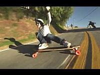 エクストリーム・スケボーダウンヒル ロングなボードで颯爽と滑り降りる!