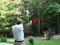 210メートル離れた小さな的に拳銃で命中させるおっさん。50口径マグナム