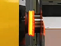 工業動画 摩擦溶接、高速で回転させた金属の摩擦熱と圧力で溶接しちゃう
