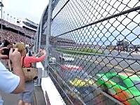 NASCAR速すぎワロタPart.2。マシンの風圧によろめいてしまうおばちゃんw