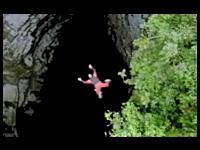 洞穴ベースジャンプに何とも言えない恐怖を覚えた(@_@;)
