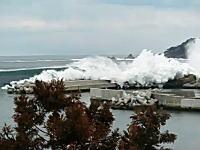 「船がなくなる…うわあ…」自分の船を眺める漁師さんの悲痛な叫び。岩手県