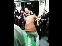 韓国の地下鉄で13歳の少女とお婆さんの大バトルが撮影されYouTubeにうp
