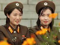 やたら高画質な北朝鮮の動画。2010年に撮影された北朝鮮の軍事パレード