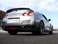 日産GT-R早の鬼加速凄すぎワロタw 0-100km/h公式タイムは何と3.0秒!