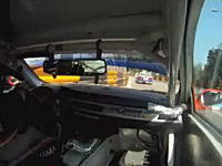マカオで目の前の車が事故するとこうなるwという車載映像。WTCC2010
