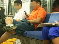 電車内でオナニーする男性の動画が世界で話題に!